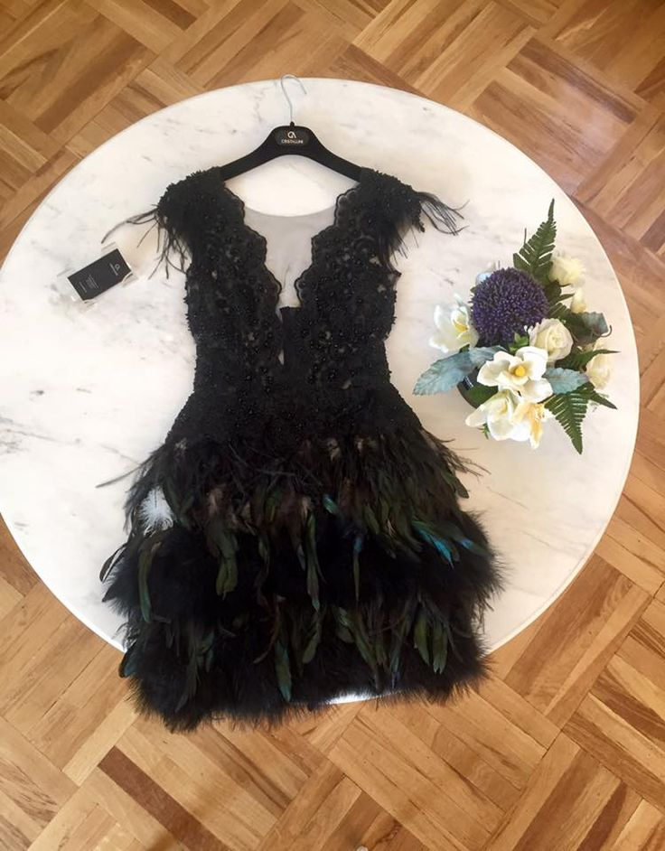 CRISTALLINI #CocktailDress #Prom #RedCarpet #ChantillyLace #Feathers