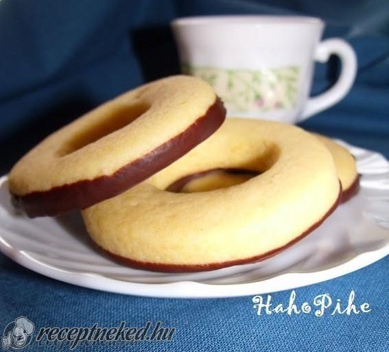 A legjobb Vaníliás karika recept fotóval egyenesen a Receptneked.hu gyűjteményéből. Küldte: HahoPihe