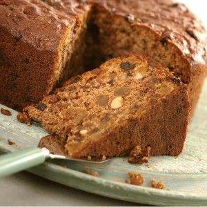 Νηστίσμο κέικ με αμύγδαλα και σταφίδες