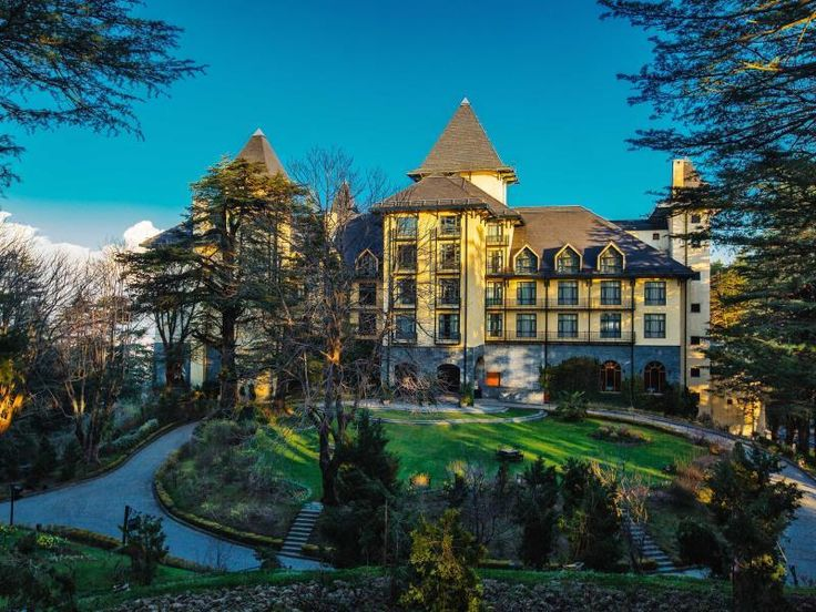 resort hotel wildflower hall, shimla