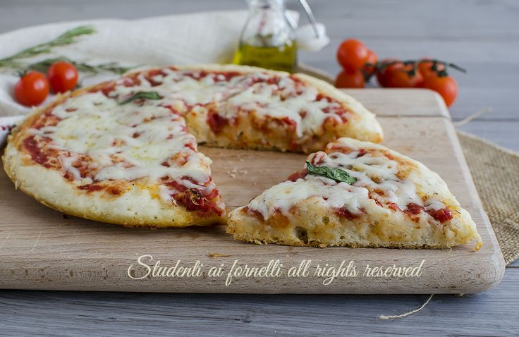 PIZZA FURBA 5 MINUTI in padella senza lievitazione, senza forno e senza sporcare ciotole.