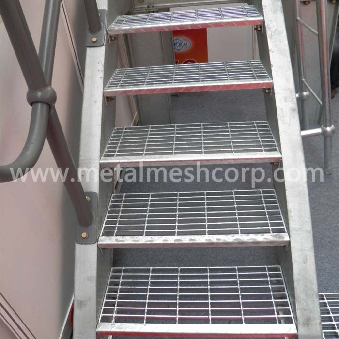 Galvanized Serrated Surface Welded Bar Grating Used For Stairs In The Building Https Www Metalmeshcorp Com Galvanized B In 2020 Galvanized Expanded Metal Mesh Steel