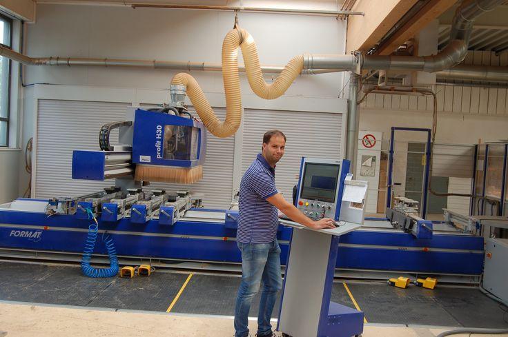 """Christian Oppel, Fa. Bussmann - profit H30 """"Wir wollten eine Maschine, die einfach programmierbar ist und mit der jeder Mitarbeiter arbeiten kann. Dafür bot sich die FORMAT-4 Lösung mit Maschine und Software aus einer Hand an."""" #woodworking #felder #feldergroup #format-4 # woodworkingproducts"""
