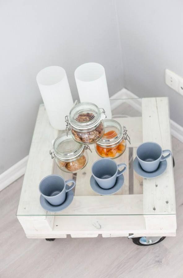 stoliki kawowe z palet w naszych pokojach