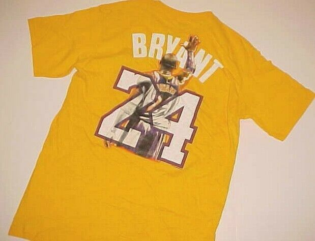 Los Angeles Lakers Kobe Bryant 24 Nba Vintage Black Mamba Yellow T Shirt M Majestic Losangeleslakers Angeles In 2020 Lakers Kobe Bryant Kobe Bryant 24 Lakers Kobe