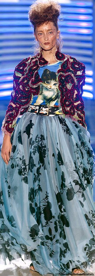 Vivienne Westwood S/S 2014~ --- I think someone forgot how to fashion. Or they're drunk.