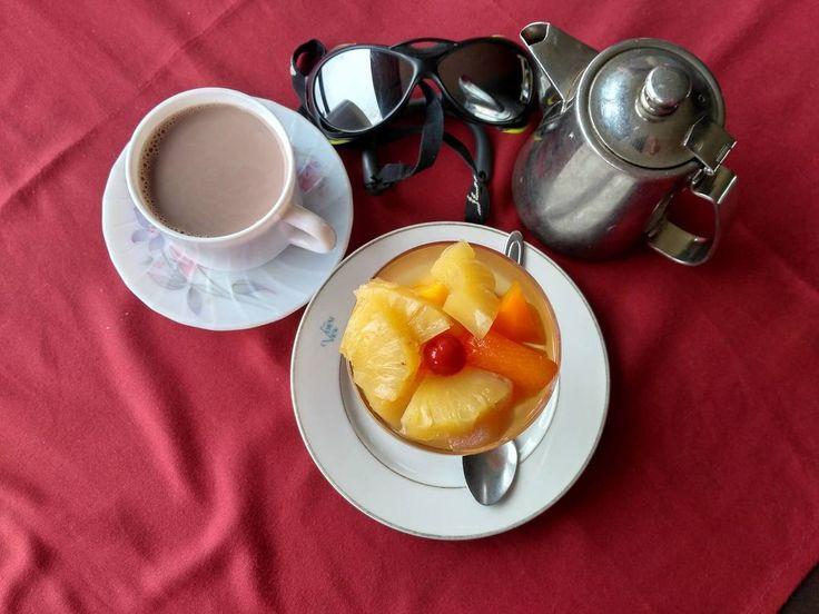 В Непале после сложного перехода так приятно себя порадовать фруктами и масалой!   С уважением к приключениям, команда hikeup.net