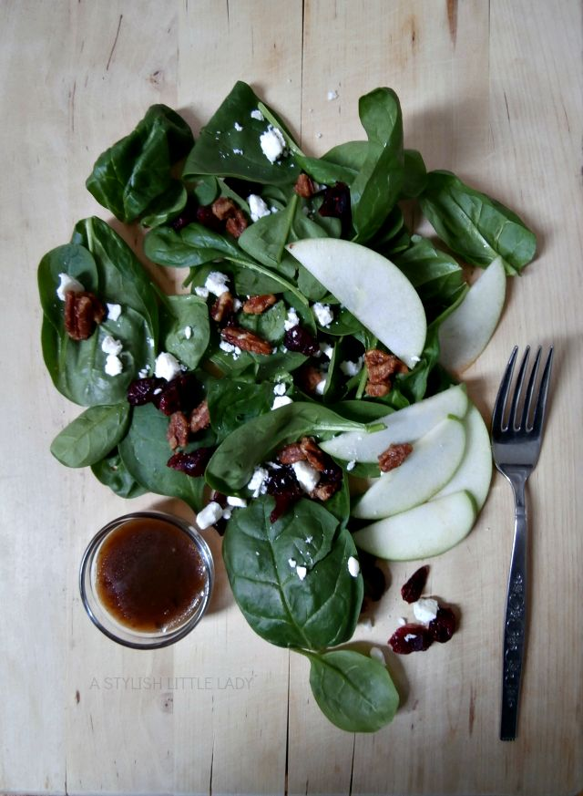 spinach salad + candied pecans//a stylish little lady