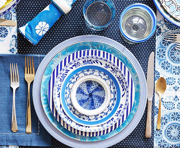 Consider Color (and Pattern). Choosing plates in the same color scheme makes it virtually impossible for them to look mismatched—your eye (and that of your guests!)