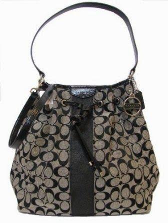 Tas Coach signature stripe drawstring shoulder bag (black)  Made in USA atau Impor Tanda tangan kain dengan trim paten dan hardware tone per...