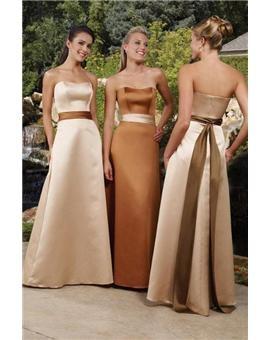 Opción de vestidos para madrinas en lindos tonos metálicos