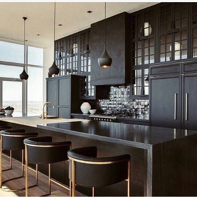 Yule style!! Noel Christmas!! BLACK AND GOLD modern contemporary kitchen!! So cool and elegant!! Look at the gorgeous matte black and gold pendant lights! Every detail is just right!
