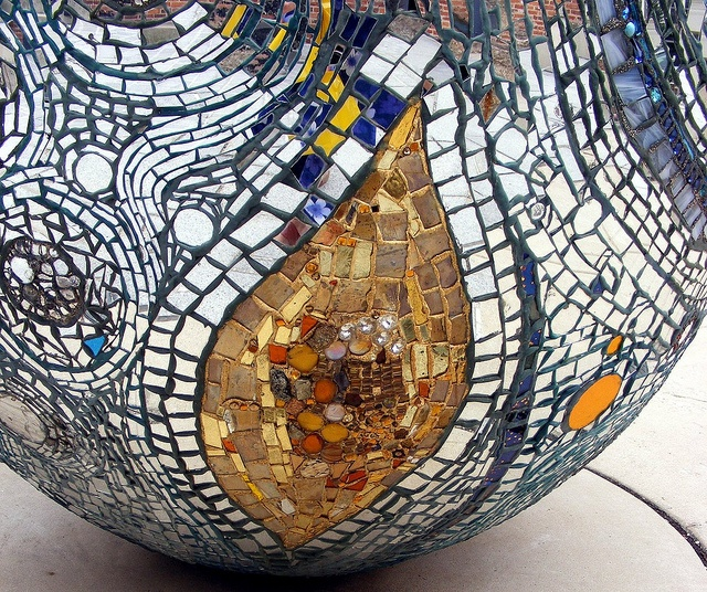17 best images about artist extraordinare andrew logan for Egg mosaic design