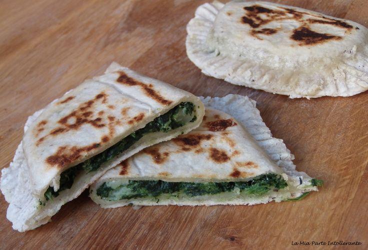 Crescione con ricotta e spinaci, senza glutine e lattosio. Cotto in padella e senza lievitazione!