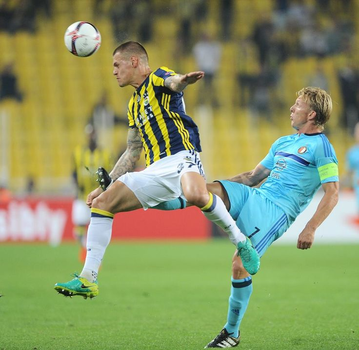 UEFA Europa League - Martin Škrtel - Dirk Kuyt