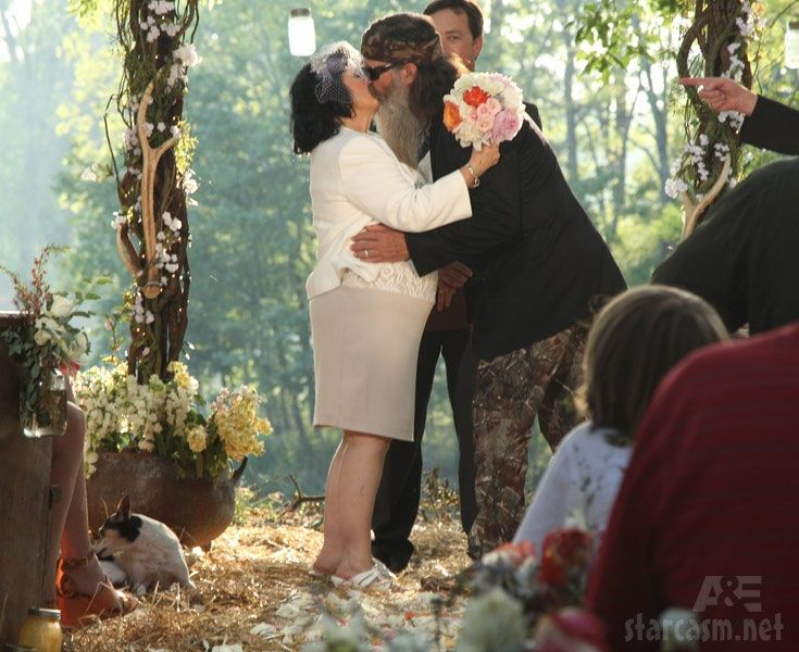 Duck dynasty wedding.    * cried *