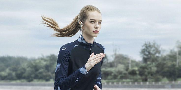 Новинка Xiaomi: беспроводные наушники для спорта Mi Sports Bluetooth Headset - https://lifehacker.ru/2016/11/05/xiaomi-mi-sports-bluetooth-headset/