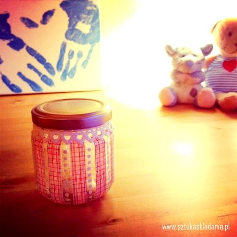 Lovely decorated jar !  :*