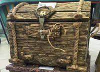 Новые деревянные изделия в галерее: пиратский сундук и волшебное дерево