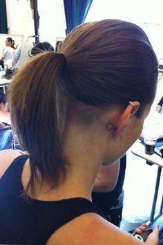 Chic und Cool Undercut Nacken Rasierte Frisuren für junge Mädchen –  – #Kurzhaarfrisuren