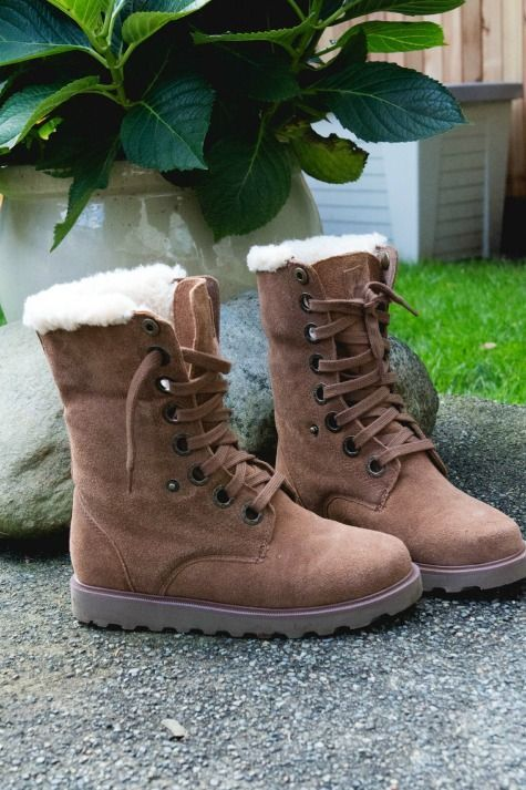 BEARPAW Kay Boots #BEARPAW #REVIEW #gotitfree