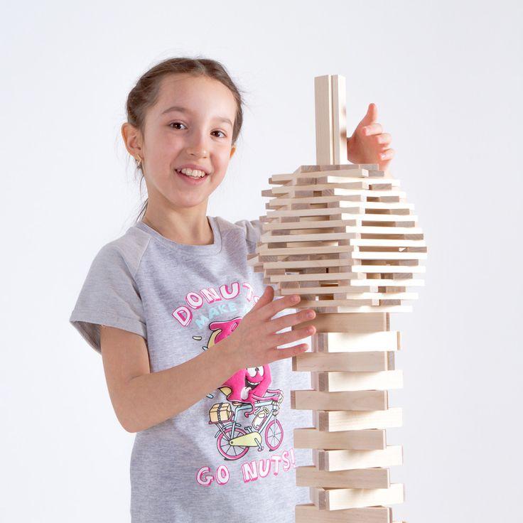 Игры с Триго интересны не только детям - подростки увлеченно строят нестандартные модели из подсказок из наших инструкций