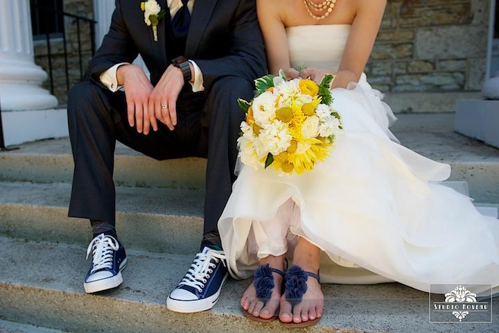 .Ideas, Comfy Shoes, Convers Shoes, Flip Flops, Sandals, Converse Shoes, Heels, Something Blue, Wedding Pictures