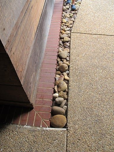 Frank Lloyd Wright's Usonian House - water run off design