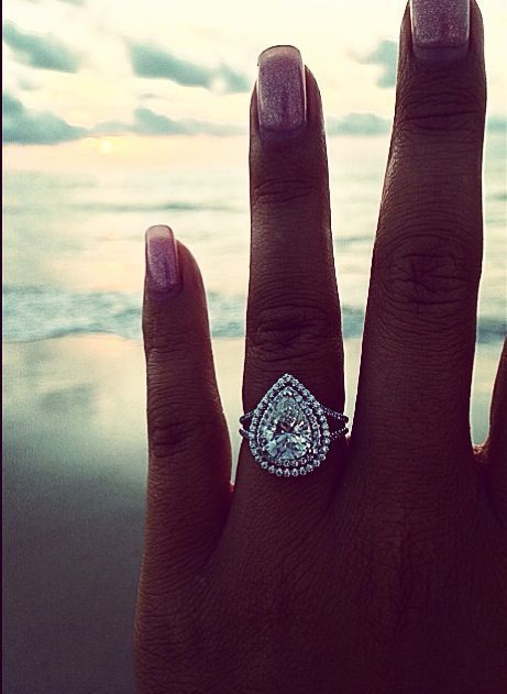 gorgeous pear-shaped diamond engagement ring
