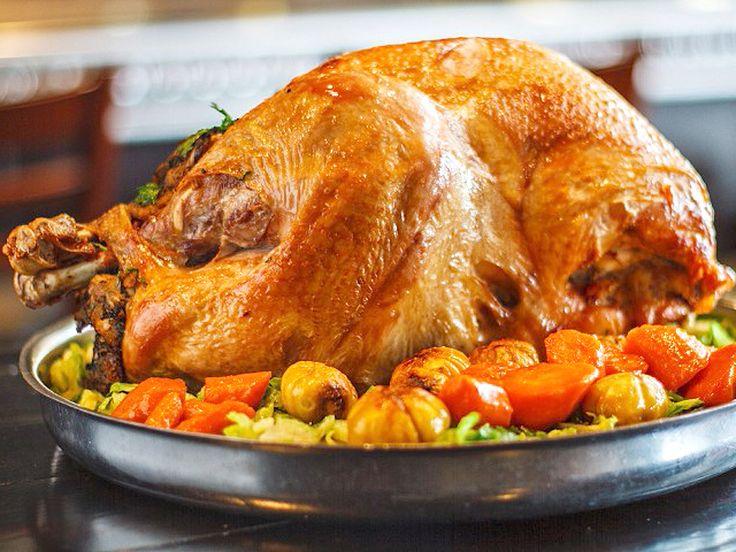 Receta de pavo relleno para hacer el Día de Acción de Gracias.