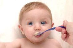 Introdução alimentar do bebê: dicas importantes para que ela dê certo (e receitas de papinhas práticas e nutritivas incríveis!)
