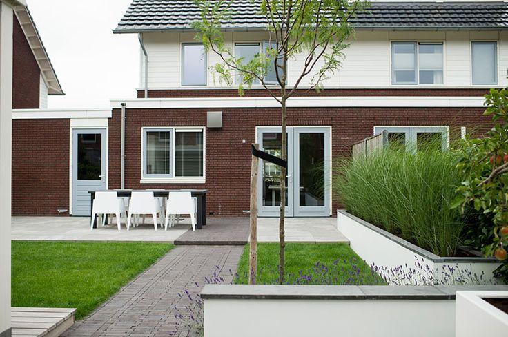 www.buytengewoon.nl stadstuinen moderne-stadstuin-met-veranda-en-bergruimte-in-zwolle.html
