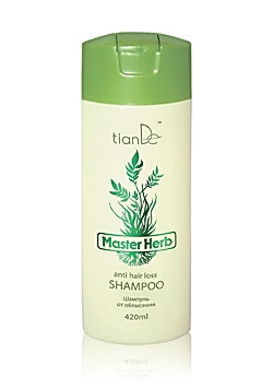 """Hair loss shampoo Master Herb (against hair loss, for all types of hair)  Enhances blood supply in the area of hair loss. Activates metabolic processes. Restores vitamin and mineral balance required for hair growth. Strengthens roots, regenerates damaged hair pellicle (protective layer of hair). Stimulates growth of """"new"""" hairs. Recommended for thinning hair."""
