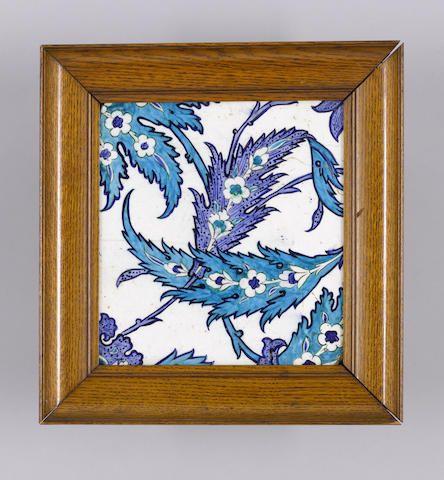 Bir mavi ve beyaz İznik Çini çömlek Türkiye, yaklaşık 1560
