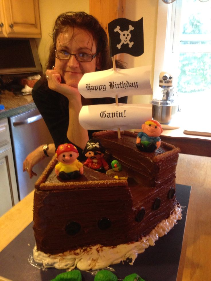 A very creative pirate cake for a young boy's birthday!