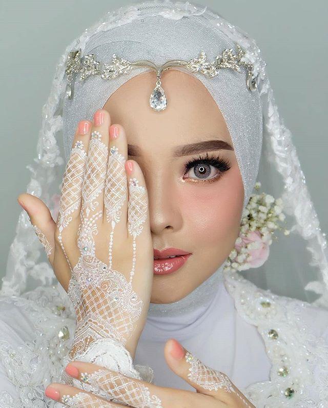 Pin Oleh Iymona Jalilova Di Wedding Looks Pengantin Desain Henna Gaya Pengantin