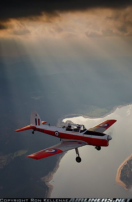 De Havilland DHC-1 Chipmunk Mk22 aircraft picture. I've had many fun hours in this fun aircraft.