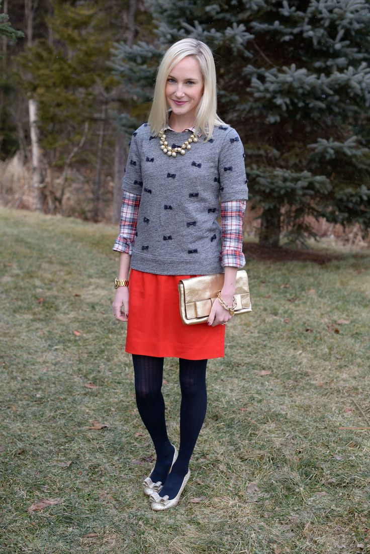 Holiday Happiness: Bow Tops, Bow Pumps and Bow Clutches - Kelly in the City