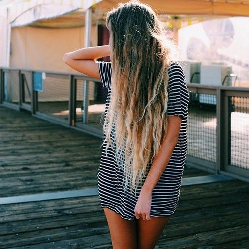 long striped tee and long ombré beach hair with waves. Does anyone know where I can get this kind of tee?