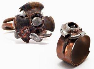 Anillos elaborados con munición usada.