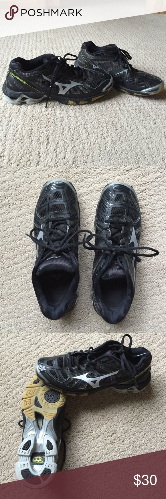 Mizuno Wave Dynamotion Fit Women's Volleyball Shoe Almost brand new, wore them to a few practice before realizing they were a size small. Women's Size 9. Love the brand, have had Mizuno volleyball shoes for years. Black, lightly worn in volleyball shoes. Mizuno Shoes Athletic Shoes
