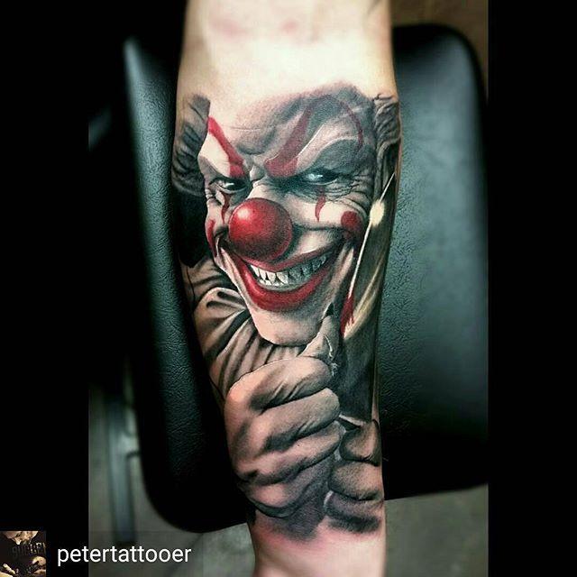 Scary ass clown!! Tattoo by @petertattooer @petertattooer  _______________#tattoosofinstagram #татуировка  #tatu #tattoo  #татуировки #tattoooftheday  #tatovering  #amazingtattoos #Tätowierung #tattooinspiration  #tatuering  #tatuaje  #وشم #tat  #tatt  #blackngrey #colortattoos #문신  #tatuaż  #realistictattoos #inkedup #tatuaggio #タトゥー  #tato #tattooitalia #tatouages #tattoolove