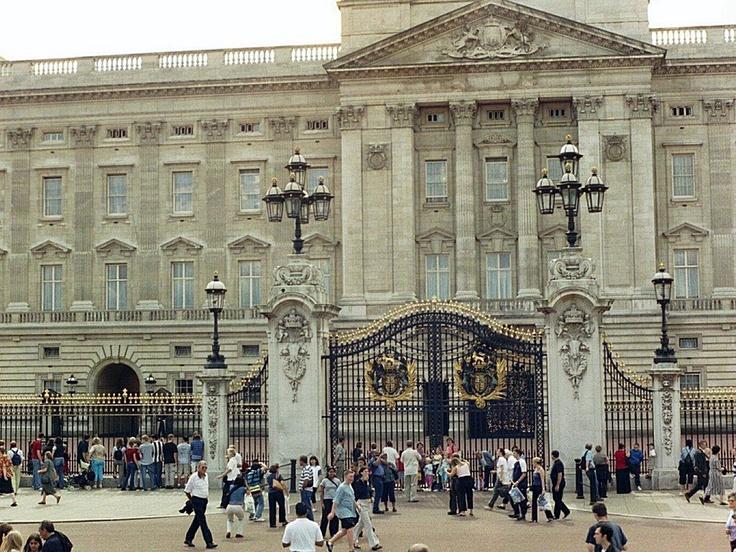 Buckingham palace   Ar...