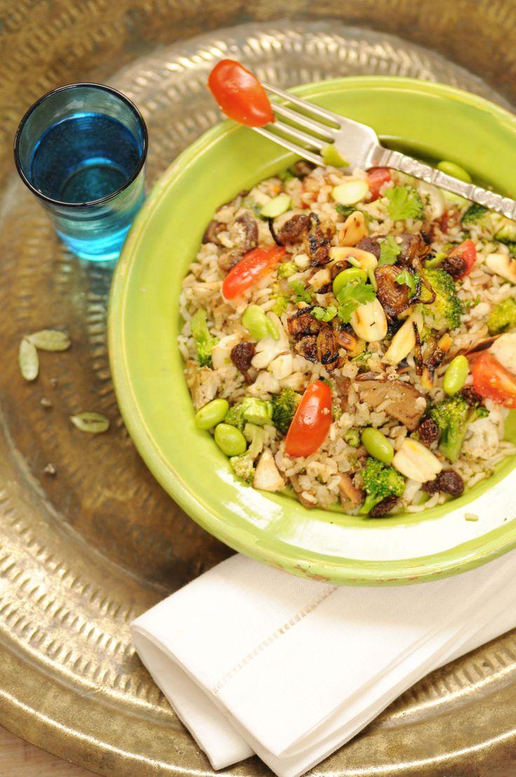 biryani, indisk risret Biryani er mad for stor-moguler! Selv om det er enkel mad, er det en kongelig ret. Det var persiske kokke, der bragte biryanien til Indien. Da stor-mogulerne kom til Sydindie…