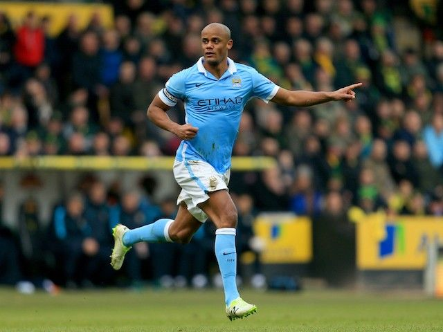 Manchester City's Vincent Kompany, David Silva train ahead of PSG showdown #Champions_League #Manchester_City #Football