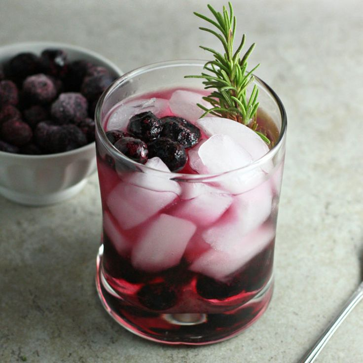 Filled with muddled blueberries, this blueberry winter smash is bursting with flavor. A little bit bubbly, a little bit sweet and a whole lot of yum!