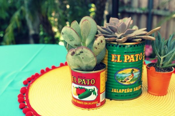 Summer Fiesta with Modern Mexican Style - what a cute idea to mix the Latino culture with a modern twist. #ModernLatino #RumbaMeats