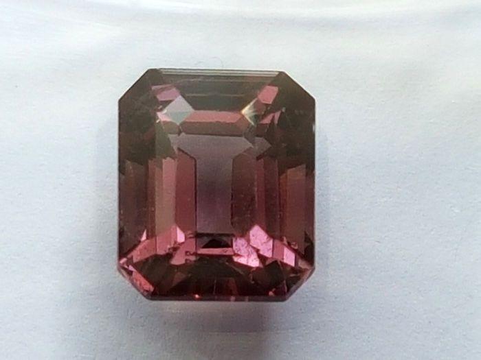 Natural Pink #Spinel - 2.18 ct -- at #Catawiki