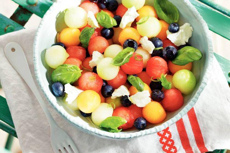 Frisse en fruitige salade van 3 soorten meloen! Recept - Meloensalade met geitenkaas - Allerhande