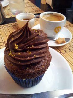 Cupcake vegano da Cissa e café expresso do Libre (Pelotas/RS) ®SKLindemann